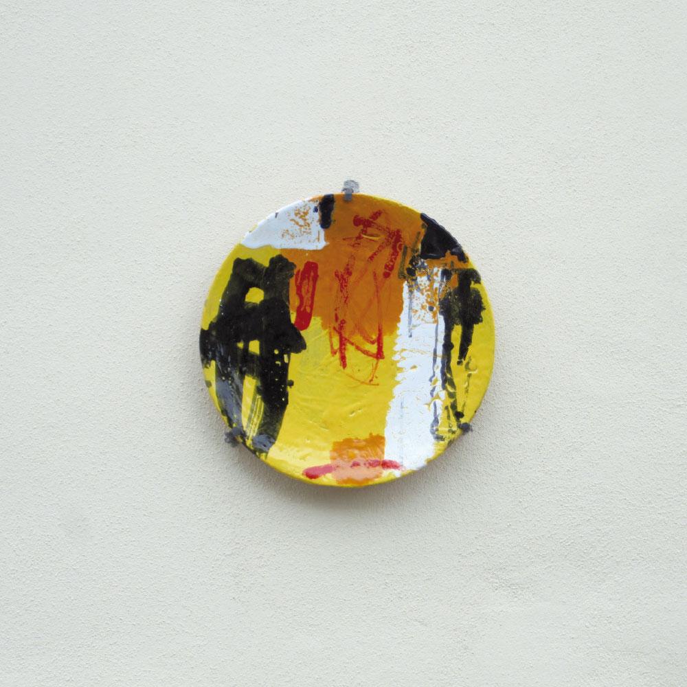 L'opera dell'artista Enzo Esposito installata nel borgo di Denice, nell'ambito del Museo a cielo aperto dedicato alla ceramica contemporanea