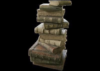 <i>Pila di libri</i>, 2003, ceramica, semirefrattario, cristallina
